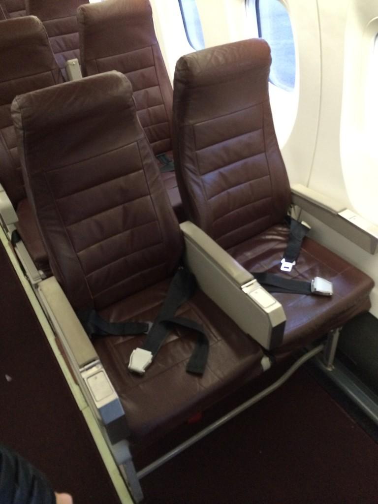 Horizon Air Alaska Airlines Bombardier Q400 Dh4 Seat